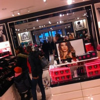 Photo taken at Victoria's Secret PINK by 🌹💘 Mploumplou 💘🌹 on 1/26/2013