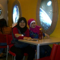 Photo taken at Hot Planet by Aning K. on 10/21/2012