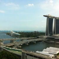 Photo taken at Mandarin Oriental, Singapore by Sascha K. on 10/27/2012