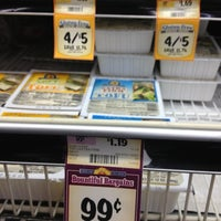 Photo taken at Sprouts Farmers Market by Ted W. on 11/7/2012