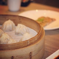Photo taken at Din Tai Fung 鼎泰豐 by Dennis C. on 7/7/2013
