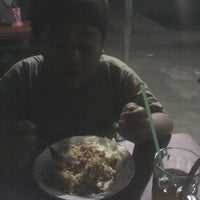 Photo taken at Mie Ayam dan Bakso Anugerah by Ainul H. on 10/28/2012