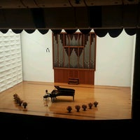 Photo taken at Ewha Womans University Music Building by Sophia JY on 9/22/2016