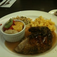 Photo taken at Kenny Rogers Roasters by Irvan e. on 11/10/2012