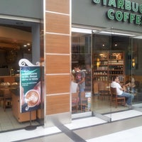 Photo taken at Starbucks by Yiannis Y. on 9/30/2012