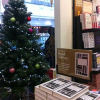 Photo taken at Waterstones by Francesca M. on 12/5/2013