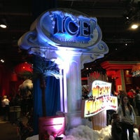 Photo taken at ICE! & SNOW Tubing - Gaylord Texan by Peter S. on 12/15/2012