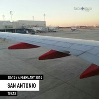 Photo taken at Gate A5 by ✈--isaak--✈ on 2/5/2014
