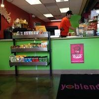 Photo taken at JuiceBlendz®/YoBlendz® by Steve V. on 4/28/2013