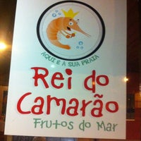 Photo taken at Rei do Camarão by Arthur D. on 3/11/2013