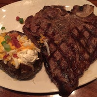 Photo taken at Outback Steakhouse by Hazel E. on 6/10/2016
