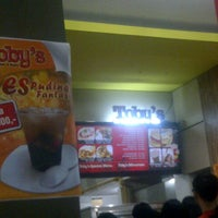 Photo taken at Toby's by baang b. on 7/7/2013