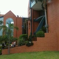 Photo taken at Udabol - Universidade de Aquino de Bolívia by Franklin R. on 10/18/2013