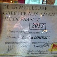 Photo taken at Boulangerie-Pâtisserie Lohezic by Sophie N. on 1/7/2013