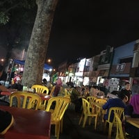 Photo taken at Matary Alma Char Koay Teow by Rayson R. on 12/5/2016