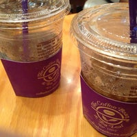 Photo taken at The Coffee Bean & Tea Leaf by Jihyun Y. on 9/23/2013