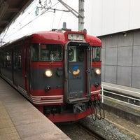 Photo taken at しなの鉄道 上田駅 by Crystal C. on 5/27/2016