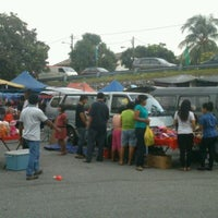 Photo taken at Pasar Malam Taman Andalas by Ellina M. on 10/9/2012