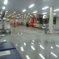 Photo taken at Aeroporto de Imperatriz / Prefeito Renato Moreira (IMP) by Leandro P. on 4/14/2013
