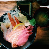 Photo taken at Japanese Cuisine 하나 by js c. on 5/10/2014