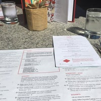 Photo taken at Earls Restaurant by Kelly D. on 8/29/2016