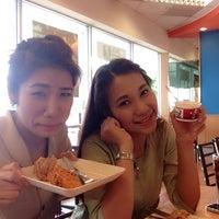Photo taken at KFC by Siriwimon C. on 6/13/2014