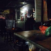 Photo taken at Downtown Underground Enterprise(downtown kebab,burger n oblong) by Eve V. on 1/26/2016