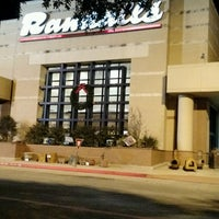 Photo taken at Randalls by Sanputt S. on 1/3/2017