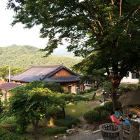 Photo taken at 배나무 가마솥 곰탕 by Danny K. on 6/29/2014