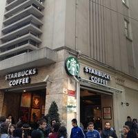 Photo taken at Starbucks by Navarat Tomi L. on 4/19/2013