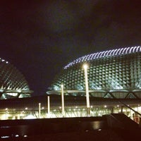 Photo taken at Esplanade - Theatres On The Bay by Mark B. on 6/6/2013