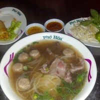 Photo taken at Pho Hoa Noodle Soup by Farahin H. on 5/28/2013