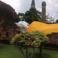 Photo taken at Wat Yaichaimongkol by Nuking J. on 4/27/2013