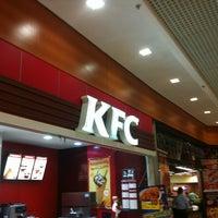 Photo taken at KFC by Davi Germano d. on 12/16/2012