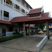 Photo taken at Amorn Sukhothai Hotel by Win T. on 9/25/2013