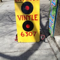 Das Foto wurde bei La Fin Du Vinyle von Jason S. am 4/14/2013 aufgenommen