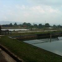 Photo taken at Balai Besar Pengembangan Budidaya Air Tawar (BBPBAT) by Parulian N. on 8/9/2013