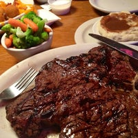 Photo taken at Texas Roadhouse by George L. on 6/30/2013