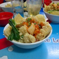 Photo taken at Hot Cui Mie by Heddy B. on 7/14/2013