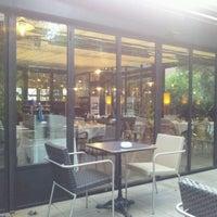 Photo taken at Café de la Jatte by Alejandro on 9/12/2011