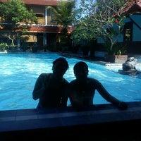 Photo taken at Hotel Pakumas by Indraningsih S. on 5/19/2012