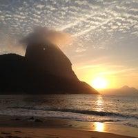Photo taken at Praia Vermelha by Helder R. on 7/29/2012