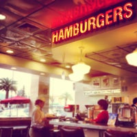 Photo taken at Johnny Rockets by Rinaldo (. on 6/14/2012