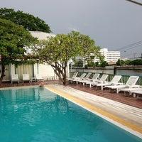 Photo taken at Bangkoknoi Sport Club & Spa by Yuwaree P. on 8/2/2013