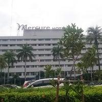 Photo taken at Mercure Hotel by Arjuna H. on 8/13/2016