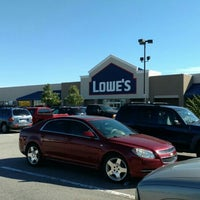 Photo taken at Lowe's Home Improvement by Mark S. on 6/12/2016
