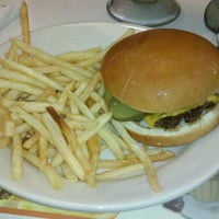 Photo taken at Steak 'n Shake by Chelsea T. on 5/17/2013