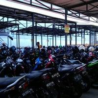 Photo taken at Jogja Tronik by Gunawan A. on 3/19/2014