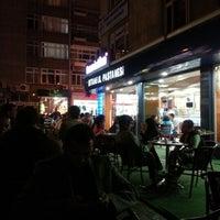 Photo taken at İstanbul Pastanesi by Veli VURAL on 9/22/2012