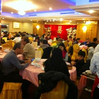 Photo taken at Good Kitchen Restaurant by Steven T. on 12/31/2012